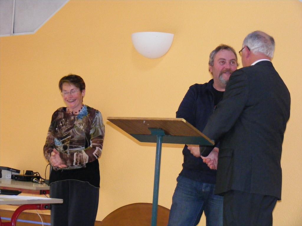Encouragé et mis à l'honneur par la municipalité de Saint-uniac !!! dans Histoire de ce blog voeux-2012-m-daille-Fr-derick